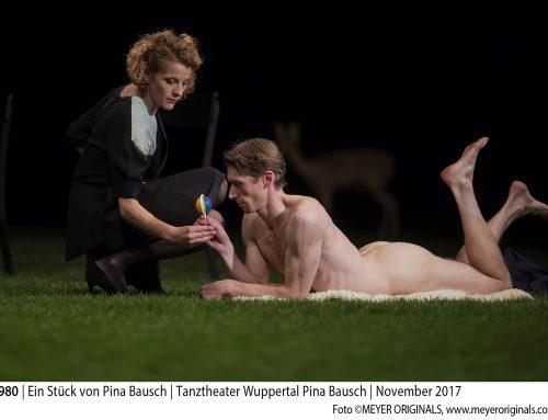"""Pina Bausch's """"1980"""" im Opernhaus"""