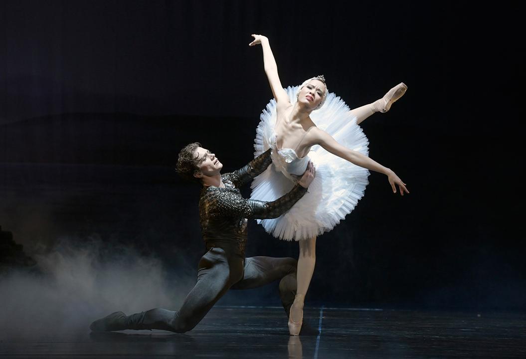 ©Bettina Stöß schwanensee_Aalto Ballett