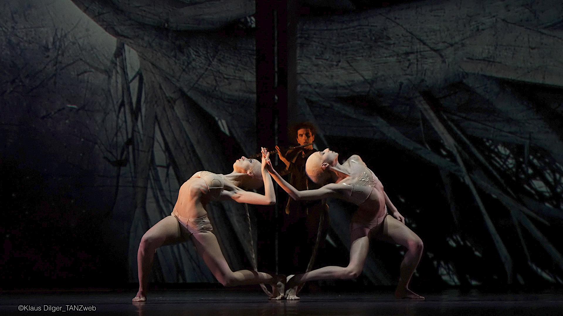 ©PRESSEBILDER TANZWEB Ballett Dortmund Bigonzetti Alice