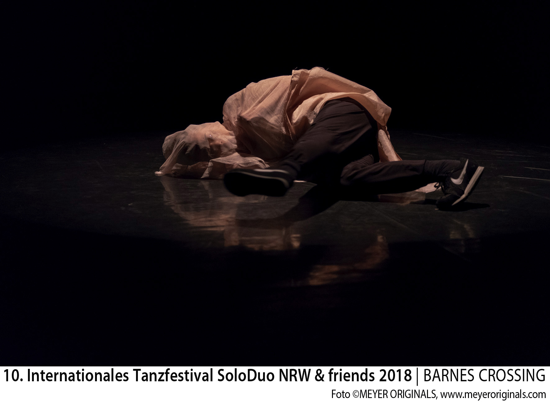 """10. Internationales Tanzfestival SoloDuo NRW + Friends 2018 BEST SOLO: """"Pode ser"""" Leila Ka (F) und Zuschauerpreis 18.5. Solo"""