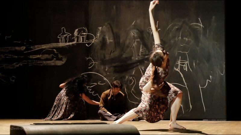 Neues Stück II Tanztheater Wuppertal Pina Bausch ©Klaus Dilger