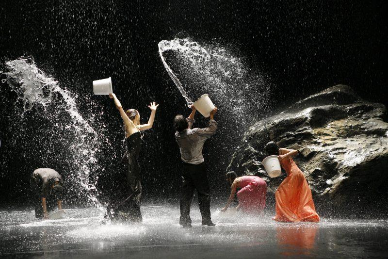 ©Laurent Philippe Tanztheater Wuppertal Pina Bausch VOLLMOND von Pina Bausch
