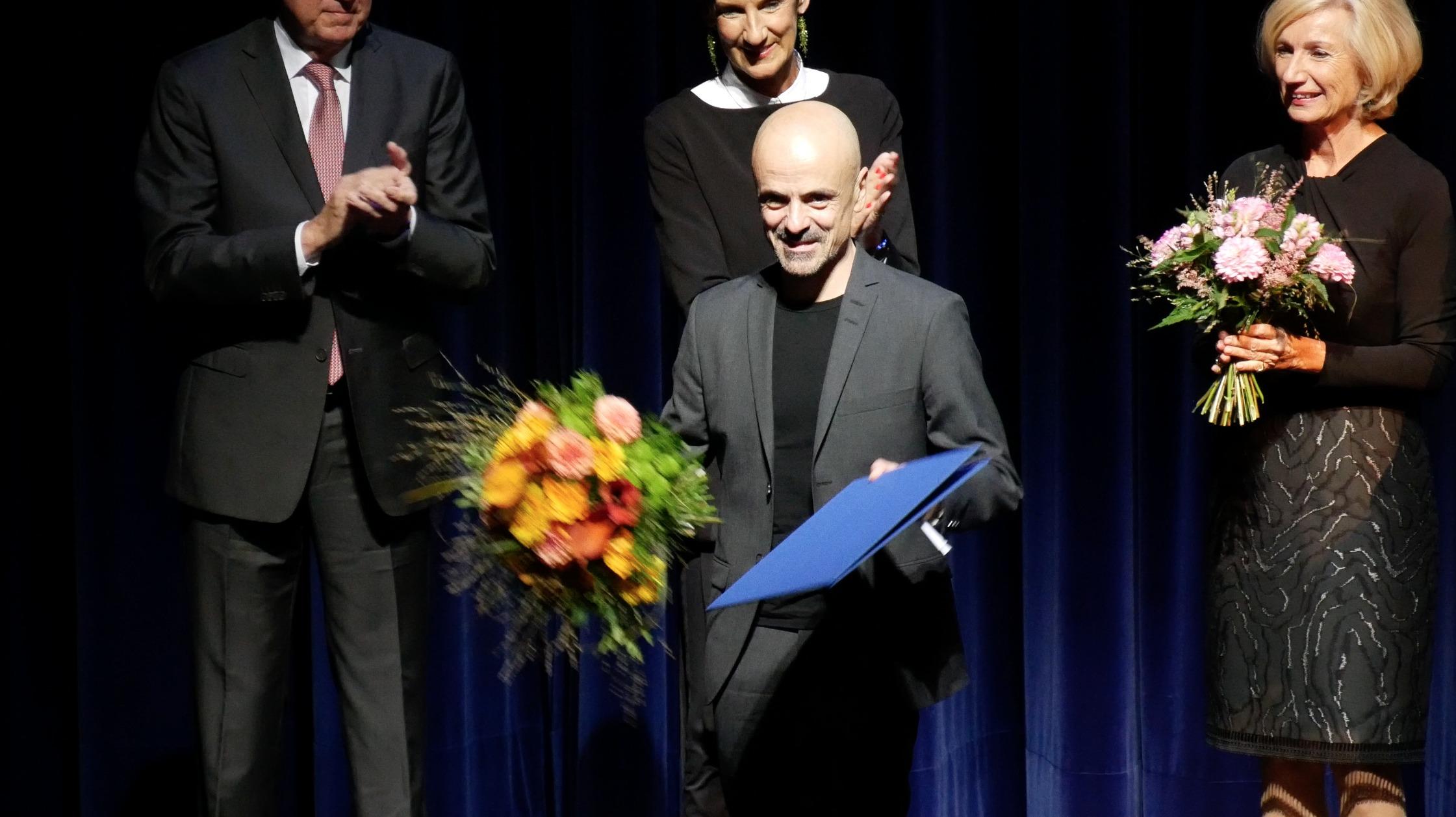 ©PRESSEBILDER Klaus Dilger_TANZWEB Verleihung Deutscher Tanzpreis 2018 in Essen Goyo Montero_ Prof.Dr. Julia Lehner