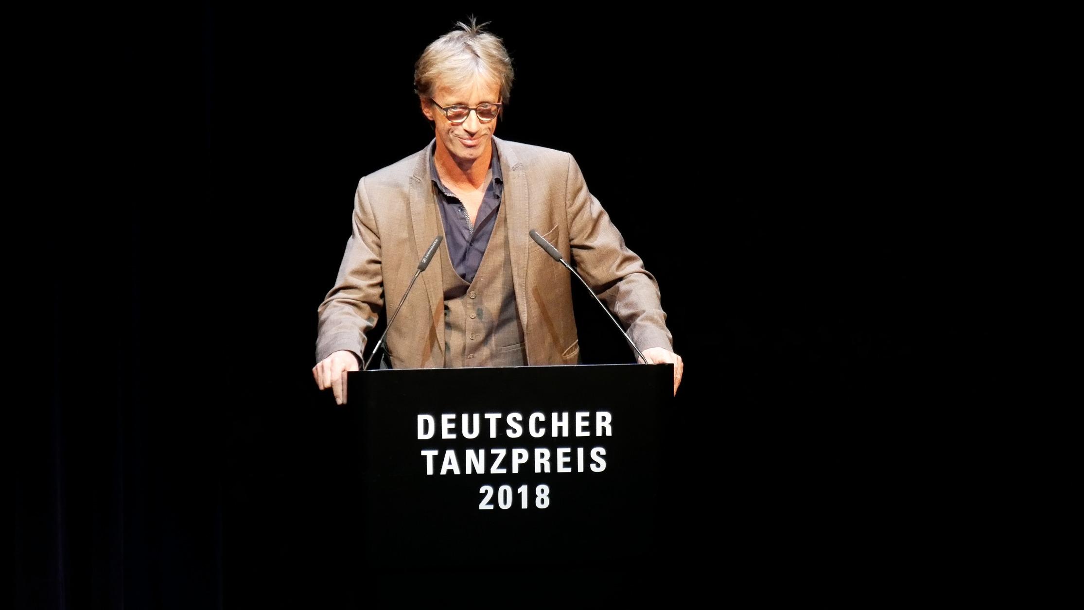 ©PRESSEBILDER Klaus Dilger_TANZWEB Verleihung Deutscher Tanzpreis 2018 in Essen Laudator Stefan Hilterhaus PACT Zollverein