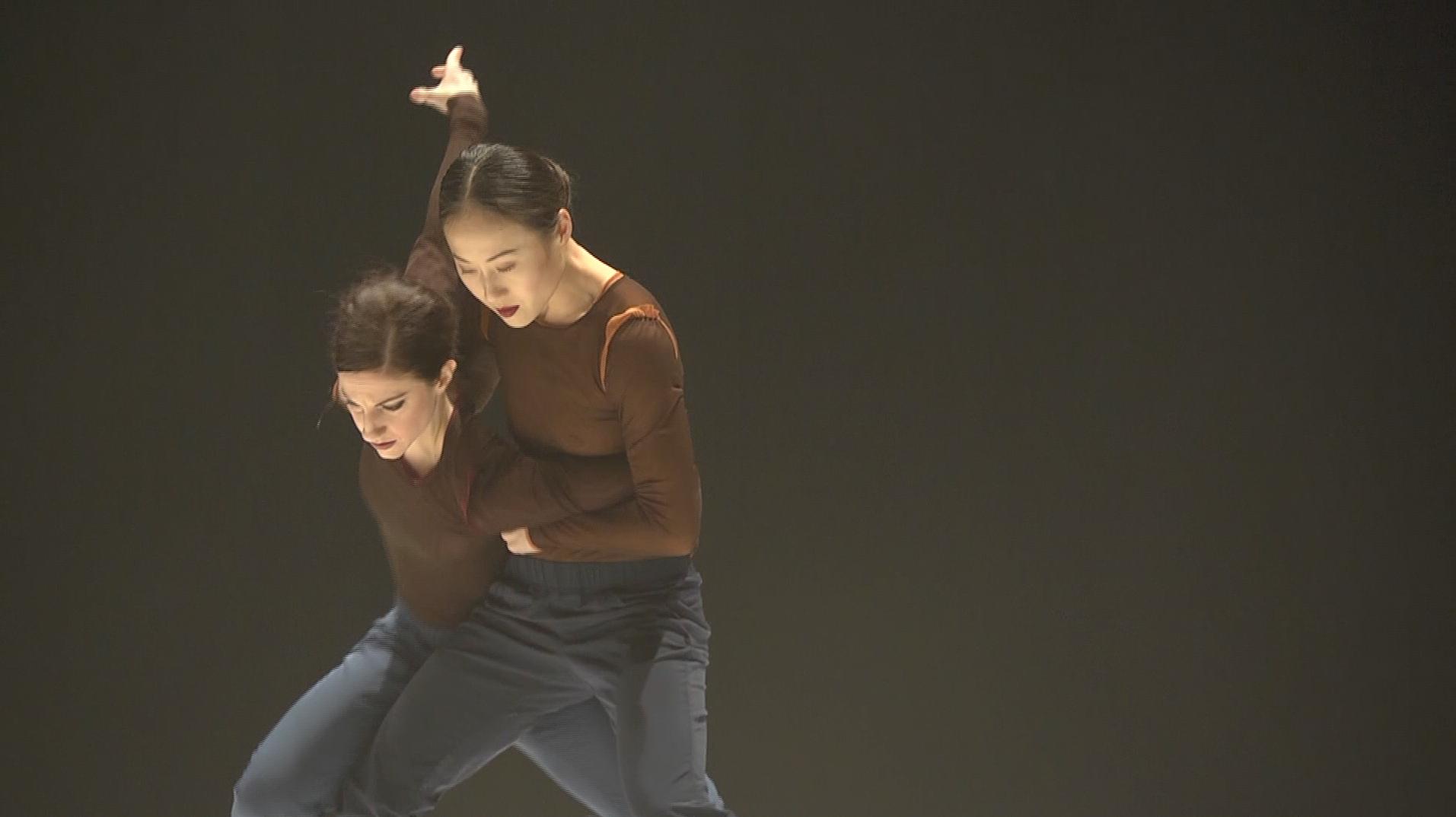 YY Dance Company ©Barbara Schroer