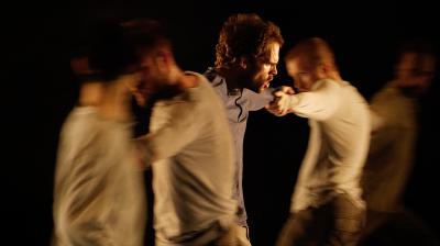 James Wilton Dance LEVIATHAN ©Klaus Dilger