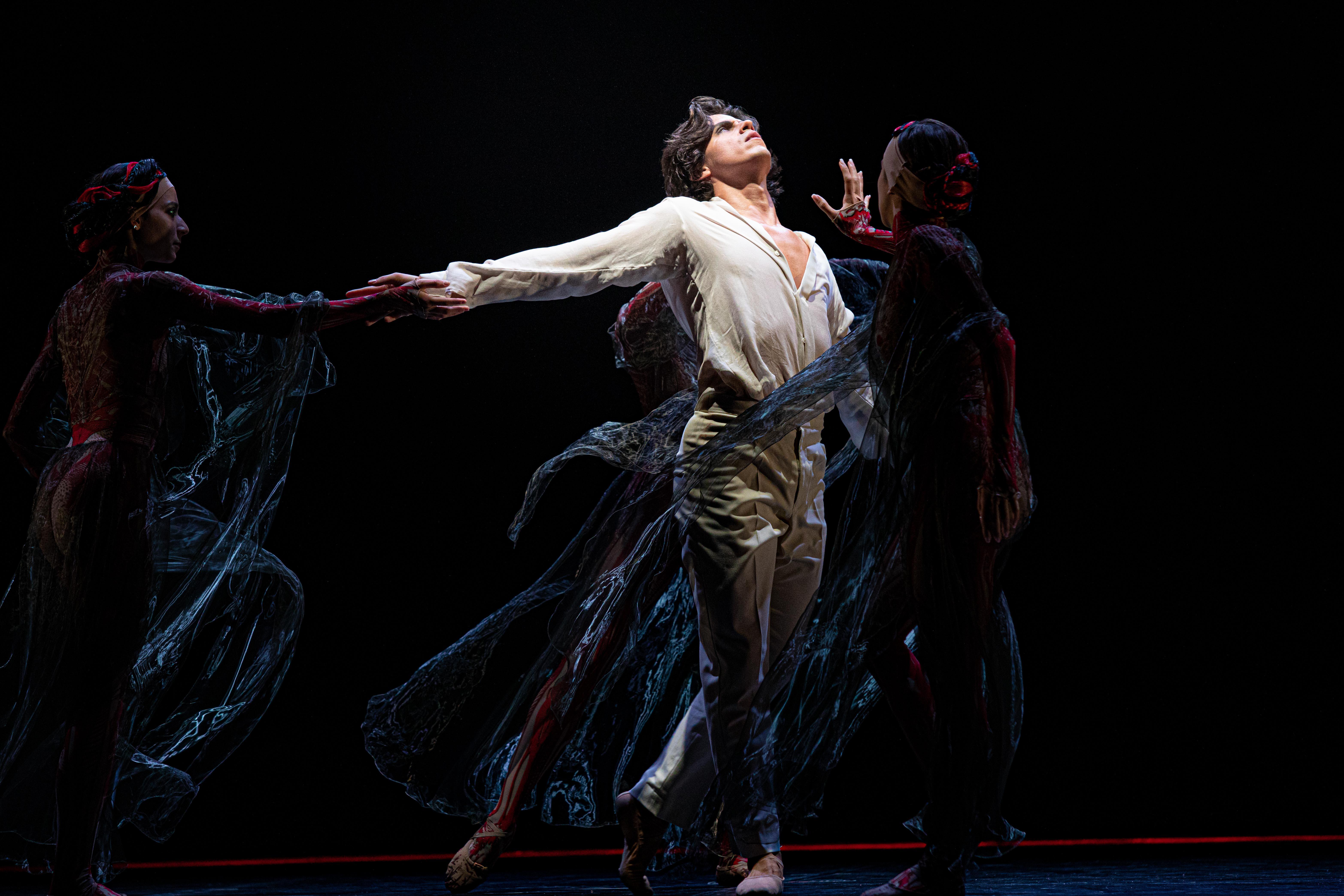 Ballett-Dortmund_PURGATPRIO_Javier-Cacheiro-Alemán_Amanda-Vieira_Manuela-Souza_Foto-Maria-Helena-Buckley