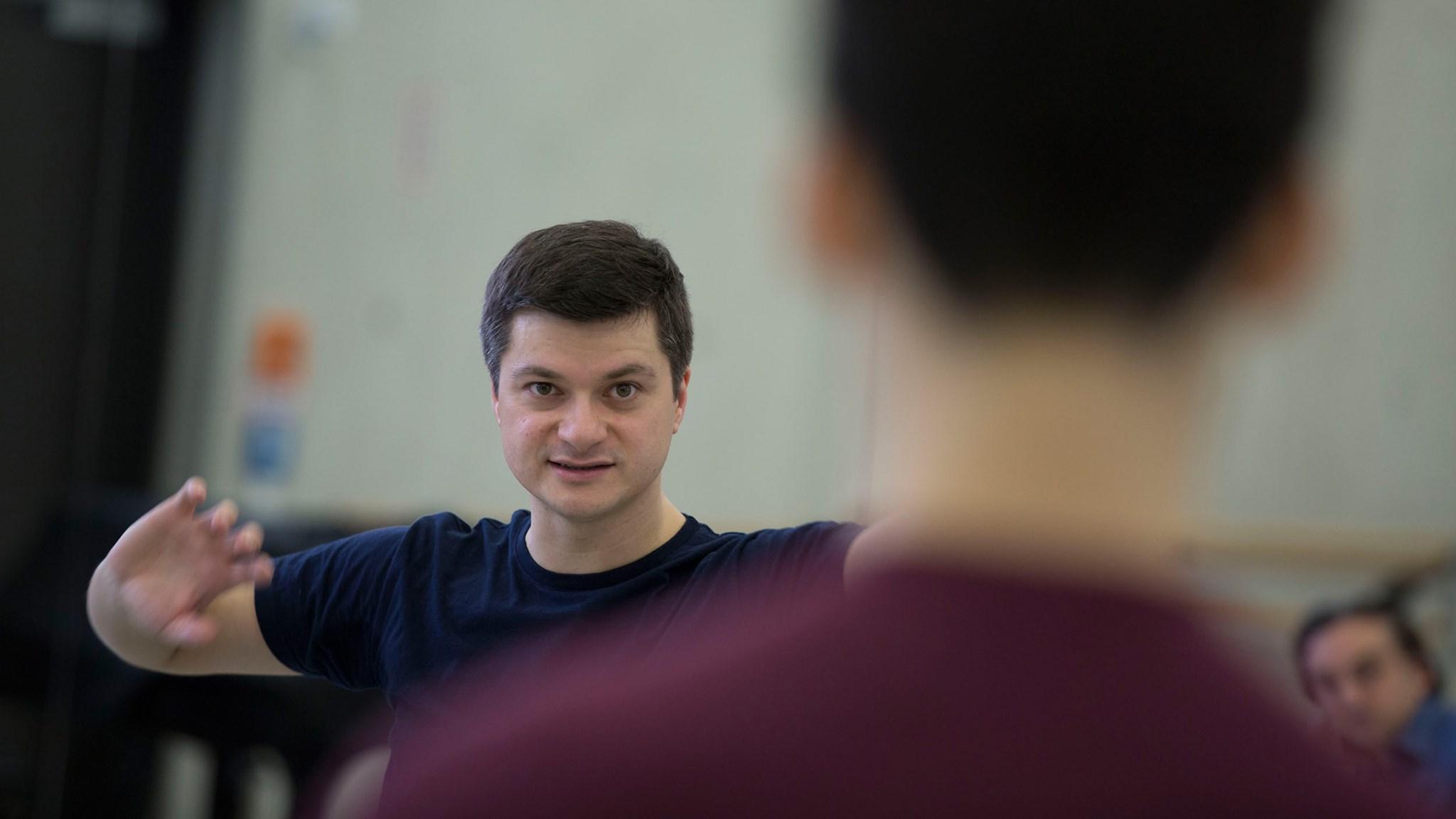 Ballett am RheinLive-Ballett-Class mit Remus Şucheană und Martin Schläpfer