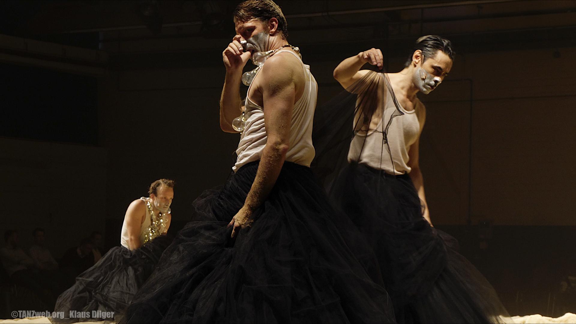 ICHundICH_Schauspiel Wuppertal©TANZweb.org_Klaus Dilger