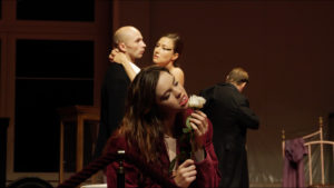 """Pina-Bausch-Tanztheater-Wuppertal_""""Er-nahm-sie-bei-der-Hand...""""©TANZweb.org_Klaus-Dilger"""